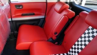 赤いシートを画像で徹底チェック。N-BOXスラッシュのダイナースタイル