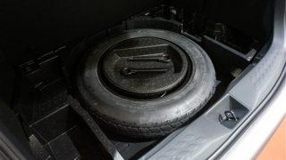 CHR/C-HRにスペアタイヤを搭載【荷室&床下収納はどうなる?】