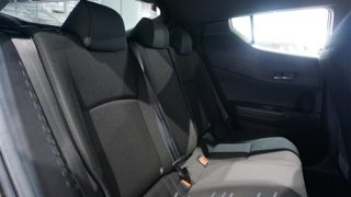 トヨタC-HR/CHRの後部座席にはリクライニング機能が付いているの?