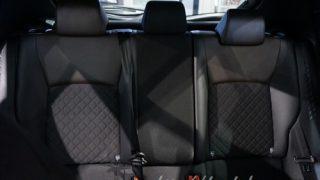 【3つのデザインを実車画像で紹介】トヨタC-HR/CHRのシート画像レビュー