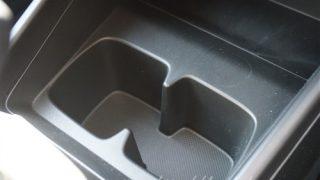 スズキ新型スイフトのドリンクホルダー画像レビュー【使い勝手はどうだった?】