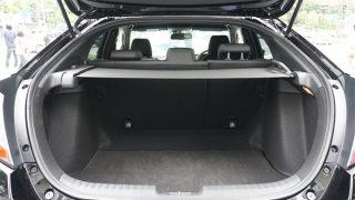 新型シビックの荷室サイズ比較【ハッチバックとセダンの違いはどのくらい?】