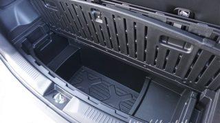 新型クロスビーの床下収納【2WDと4WDでサイズはどのくらい違う?】